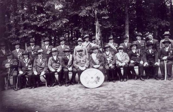 Prezes KBS Więcbork Jan Bracka z braćmi 1933r.