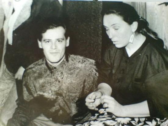Na zdjęciu Tomasz Roman Bracka i Martyna Jakubowicz przed koncertem w trakcie wywiadu dla TVP w Bydgoszczy. Koncert został zorganizowany w kinoteatrze POW w Bydgoszczy przez moją agencje artystyczną w dniu 24 lutego 1991 r. Tomasz Roman Bracka