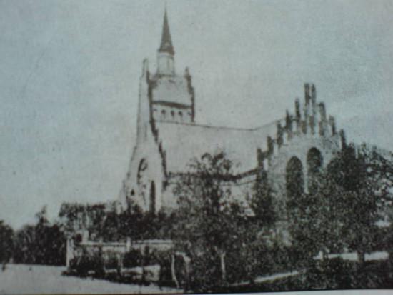 Kościół ewangelicki wSypniewie zniszczony przezmiejscowych komunistów podkoniec lat 50-tych minionego stulecia