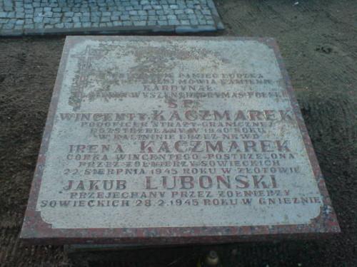 Żołnierze wyklęci Kaczmarek i Lubońscy zabici przez komunistyczne UBP cmentarz komunalny w Więcborku foto Tomasz Bracka