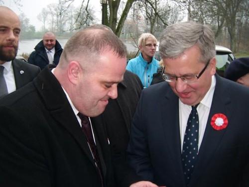 Prezydent Komorowski z Małżonką odznaczył Tomasza Bracka Krzyżem Wolności i Solidarności w Pałacu w Runowie gm. Więcbork 12.11.2014r.