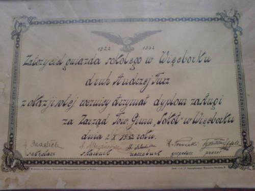 Pamiątkowy dyplom 10 lecia Sokoła Więcbork z podpisem zarządu w tym sekretarza TG Sokół Więcbork Jana Bracka 1932r.