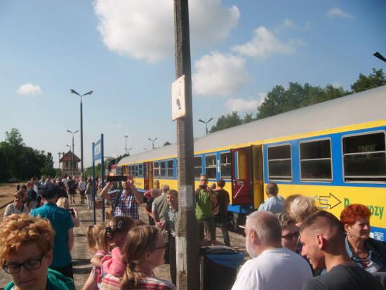 Piknik kolejowy autorstwa mojej firm PHU LORD Tomasz Bracka na stacji PKP Więcbork na rzecz wznowienia stałych przewozów pasażerskich na stacji PKP Więcbork sierpień 2015 r - Tomasz Bracka