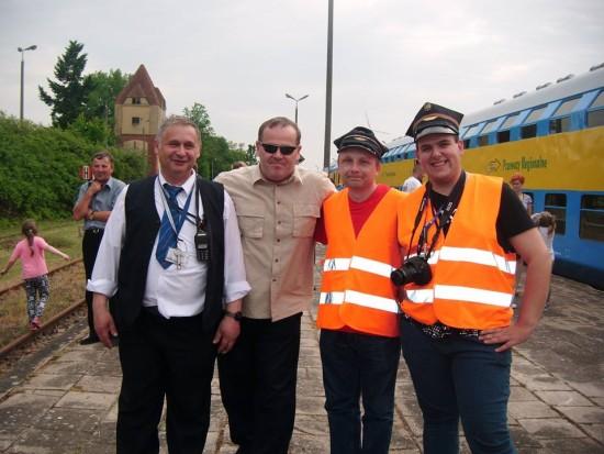 Rzesze podróżnych i mieszkańców Więcborka na stacji PKP Więcbork witało ponownie po 17, 16 pociąg pasażerski relacji Kcynia - Więcbork - Chojnice 28. 05. 2016 r.