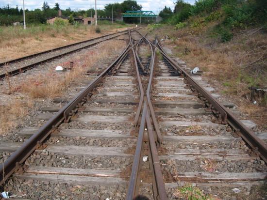 Tak jak wyglądają tory i obiekty kolejowe na stacji PKP Więcbork na czynnej linii kolejowej NR 281 obraz nędzy i rozpaczy 21.09.2016r. !!! foto Tomasz Bracka