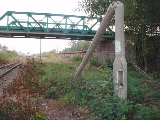 Most kolejowy przy ul Starodworcowej i stacja PKP Więcbork foto Tomasz Bracka