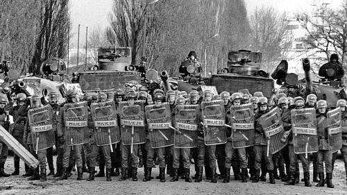 36 rocznica stanu wojennego w Polsce 13.12.1981 r. - 13.12.2016 r. i 47 rocznica masakry polskich robotników z rąk komunistycznych zbrodniarzy w Gdańsku i na wybrzeżu w grudniu 1970 r.