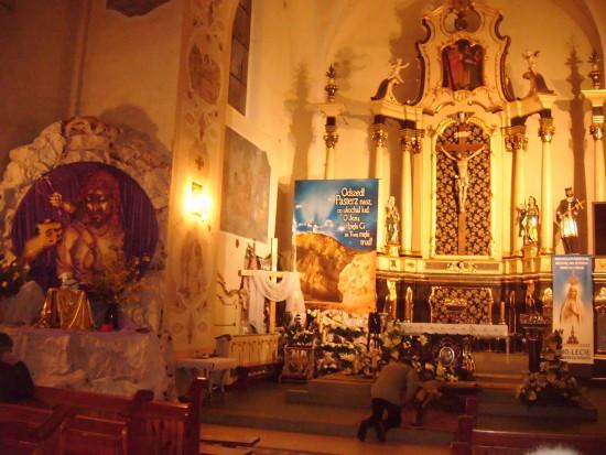 Poniżej zdjęcie z dzisiejszej adoracji Grobu Pańskiego w więcborskim Kościele Katolickim   foto Tomasz  Bracka