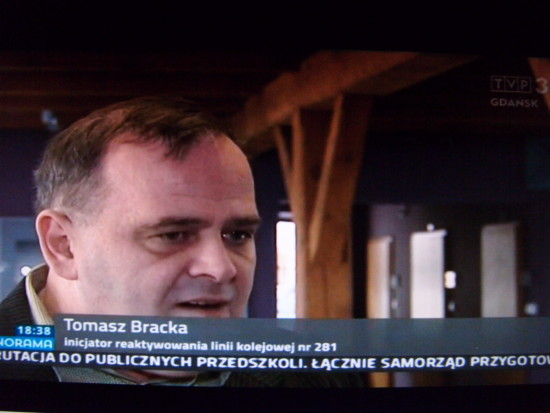 Migawka zPanoramy wTVP3 Gdańsk zmoim wywiadem natemat reaktywacji połączeń pasażerskich naLK 281 Chojnice - Więcbork - Gniezno - Oleśnica. Tomasz Roman Bracka 2017 r.