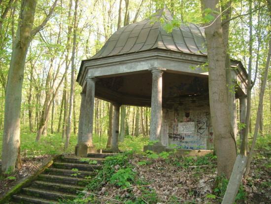 Grobowiec rodu Konkiel doremontu itonatychmiast - foto Tomasz Bracka