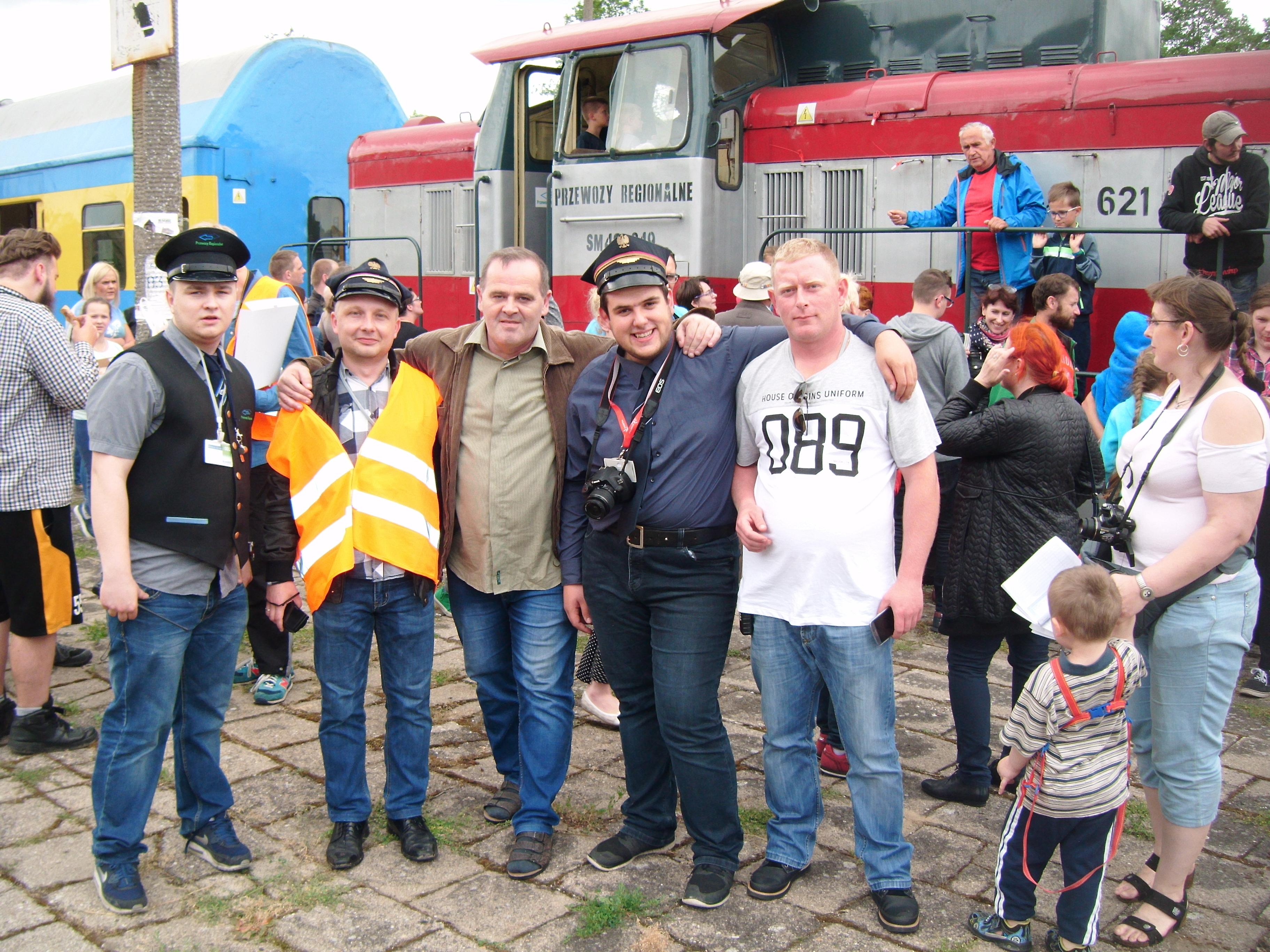 Pociąg pasażerski POL REGIO relacji Nakło n/Not - Więcbork - Chojnice wjechał dziś 17. 06. 2017 r. ponownie na130 letnią zabytkową stacje PKP Więcbork !!! - foto Gazeta Więcborska