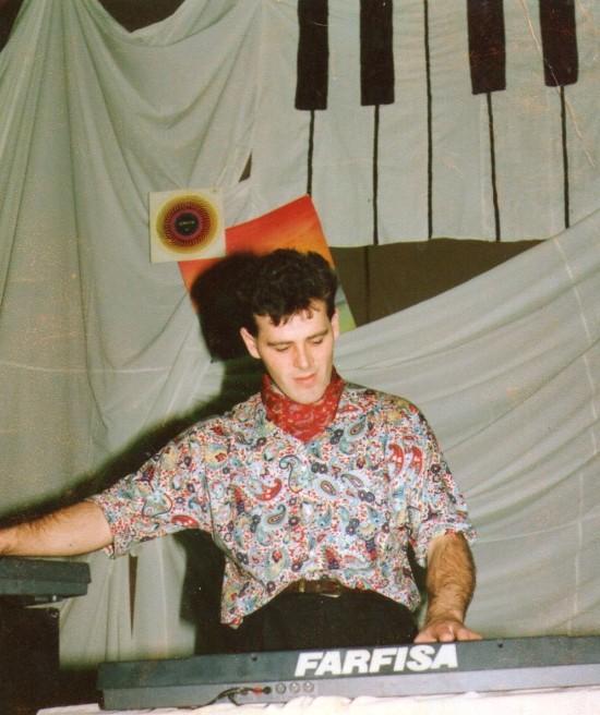 Na fotografii Tomasz Roman Bracka lata 90 - te minionego stulecia. Tomasz Roman Bracka