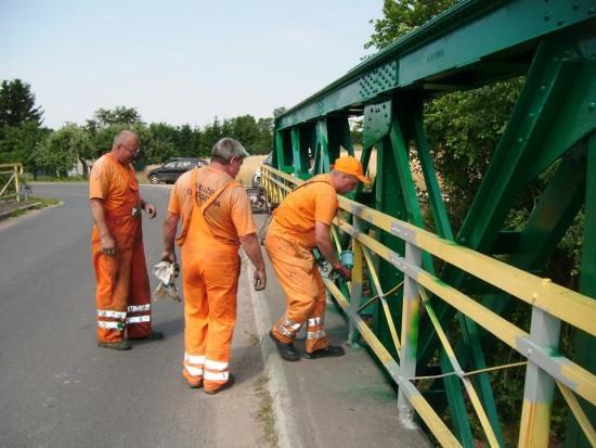 Nieskończony remont mostu przy ulicy Starodworcowej w Więcborku czyli partactwo dyrektora Eckierta w pełnej okazałości. foto Tomasz Roman Bracka