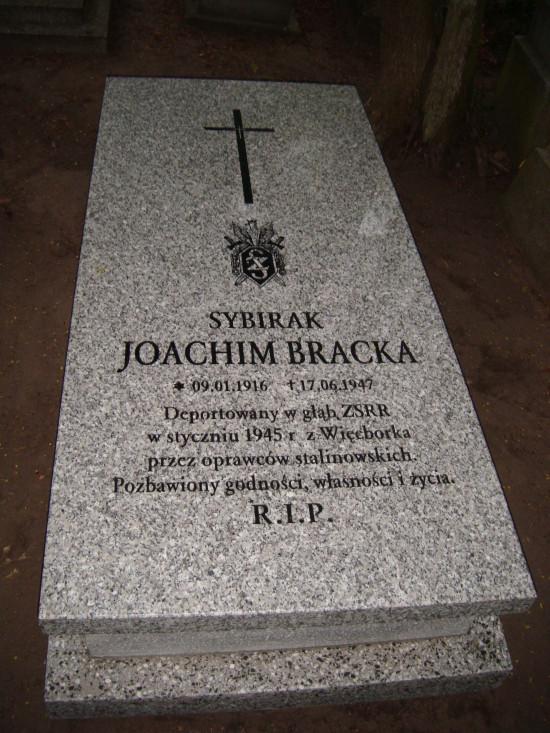 Grób sybiraka Joachima Bracka. foto Tomasz Bracka