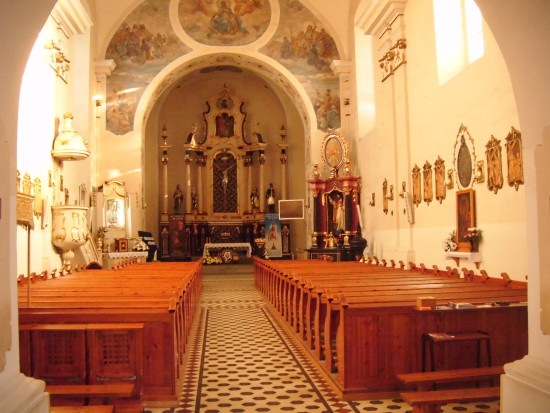 Nowy ołtarz boczny w więcborskim kościele po renowacji już zamontowany,a za rok remont ostatniego ołtarzu bocznego. foto Tomasz Roman Bracka