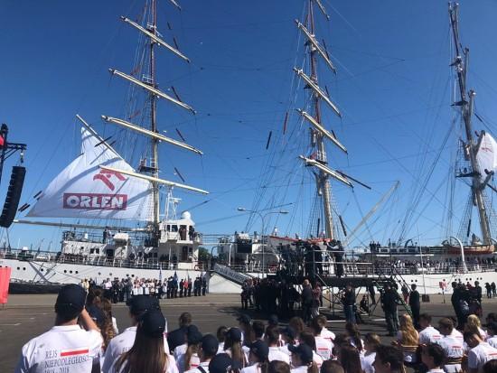 Dar Młodzieży wyrusza w rejs Niepodległości do okoła świata pod patronatem Premiera RP Mateusza Morawieckiego !!!
