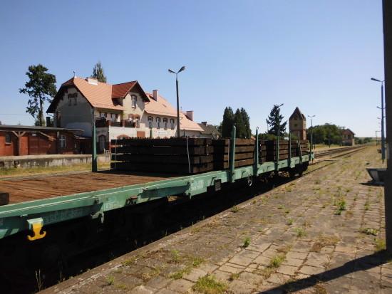 Po mojej skutecznej interwencji w UTK Warszawa rozpoczął się remont torowisk na Stacji PKP Więcbork i na LK 281. foto - Tomasz Roman Bracka
