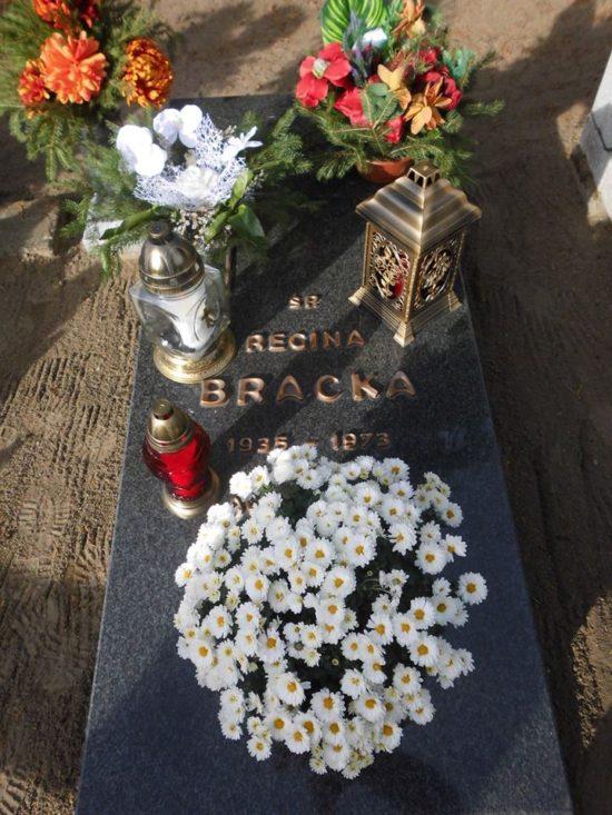 Miejsce spoczynku mojej matki chrzestnej Reginy Bracka zgładzonej przez SB ! Cmentarz Komunalny w Więcborku teraz.! foto Tomasz Roman Bracka