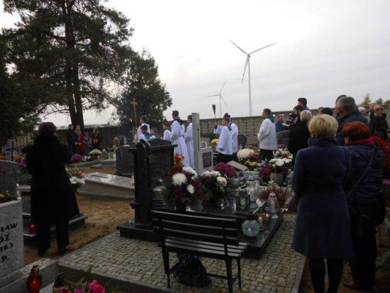Wszystkich Świętych na cmentarzu komunalnym w Więcborku. Tomasz Roman Bracka