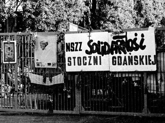 Strajk w Stoczni Gdańskiej im. Lenina, ostatni tydzień strajku. sierpień.1988w którym brałem udział byłą też tam śp Jolanta Szczypińska wielokrotnie w naszych rozmowach wracaliśmy to tego strajku archiwum naszych rozmów na fb. Fot. PAP/P. Glanert