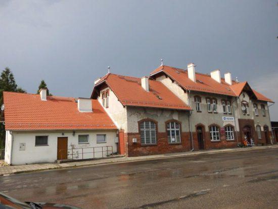 Remont generalny dachu Dworca PKP Więcbork 2018 r. foto Tomasz Roman Bracka