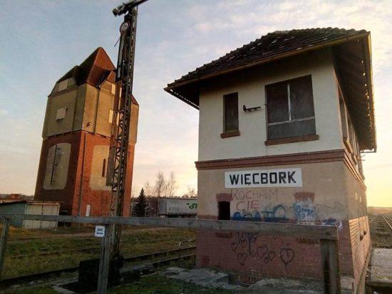 Rozpoczął się wywalczony przeze mnie remont nastawni WB i WB1 na stacji PKP Więcbork. foto Tomasz Roman Bracka