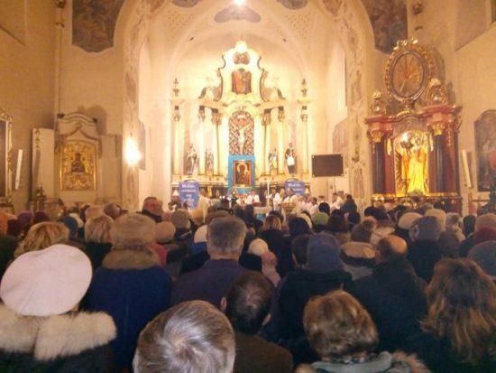 Od ponad pięciu lat trwa remont zabytkowego 300 letniego ołtarza bocznego Matki Boskiej Królowej Więcborskiej w więcborskim kościele katolickim. foto Tomasz Roman Bracka