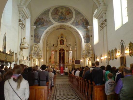 Kościół katolicki w Więcborku przed remontem ołtarzy - foto Tomasz Roman Bracka