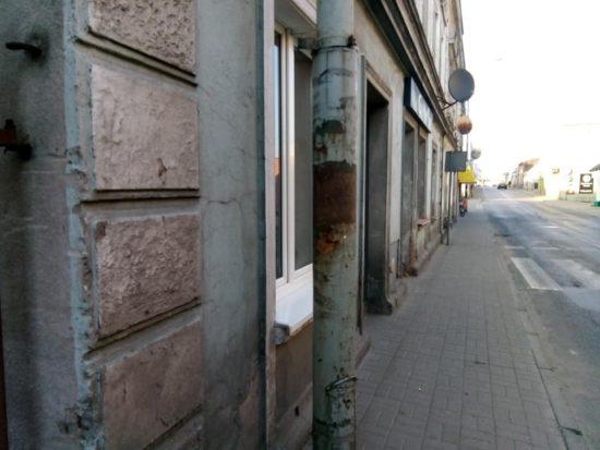 Czas najwyższy na rewitalizacje zabytkowych kamienic w Więcborku z których odpadają tynki z elewacją - Tomasz Roman Bracka