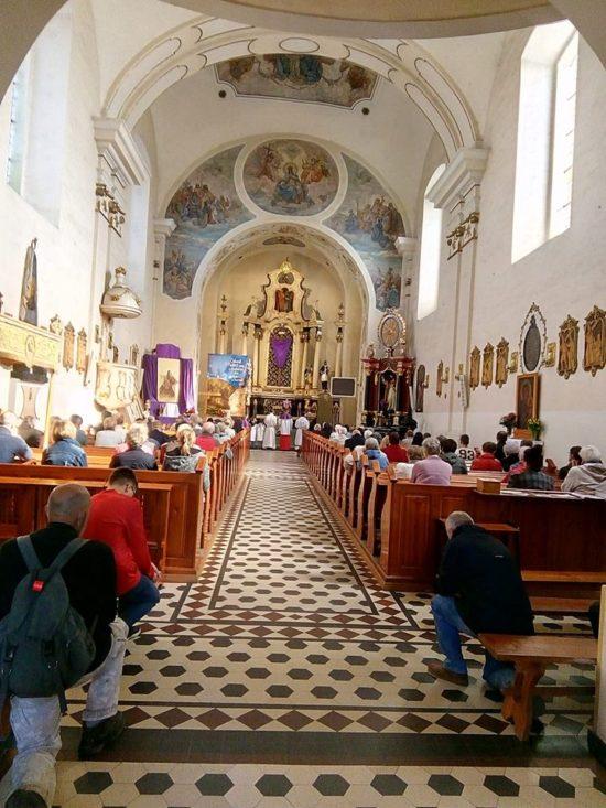 Wielki Piętek więcborski kościół. foto Tomasz Roman Bracka