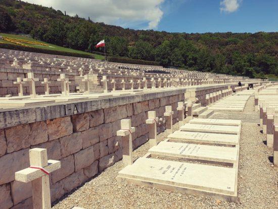 Trwa wyprawa pamięci Monte Cassino 2019. Dziś najważniejszy dzień tego wyjazdu, czyli uroczystości na cmentarzu Wojska Polskiego w Monte Cassino! Jeżeli chcecie być z nami, szukajcie transmisji na żywo w TVP! 😉 *17:00 - TVP INFO*