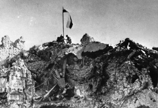 76 lat temu Polacy zwyciężyli wbitwie oMonte Cassino walczyli tam też mieszkańcy Więcborka wtym mójdziadek Aliant gen. Andersa Henryk Bracka widoczny nazdjęciu pierwszy zlewej wdrugim rzędzie !