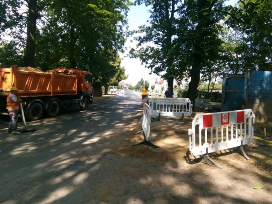 Trwa budowa kanalizacji ściekowej i stacji wodociągów wiejskich we wsi Runowo Kr. - foto Tomasz Roman Bracka