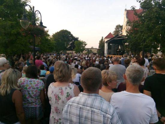 Koncert Sławka Uniatowskiego z zespołem w Więcborku - foto Tomasz Roman Bracka