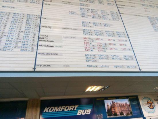 Co za paranoja PKS z Bydgoszczy do Mroczy 21 autobusów, a do oddalonego od Mroczy o ponad 10 km większego Więcborka 6 autobusów z Bydgoszczy i do Bydgoszczy.