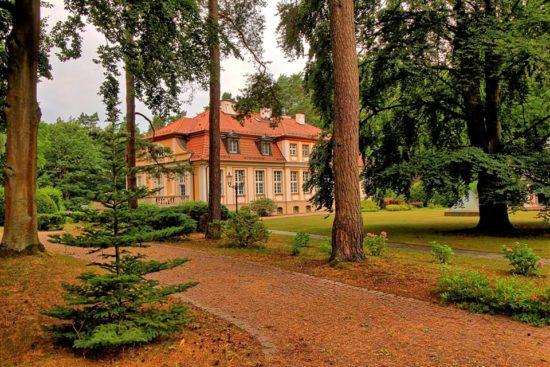 Rezydencja Prezydenta RP Ignacego Mościckiego na przedmieściach Więcborka w roku 100 - lecia odzyskania niepodległości przez prezydenckie miasto Więcbork.