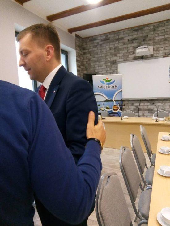 Minister Rządu Premiera Morawieckiego Łukasz Schreiber i zarazem poseł na Sejm spotkał się z mieszkańcami Więcborka - foto Tomasz Roman Bracka