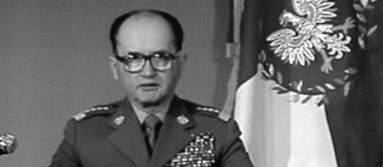 Ogłoszenie nielegalnego stanu wojennego przez 13 grudnia 1981 przez Jaruzelskiego