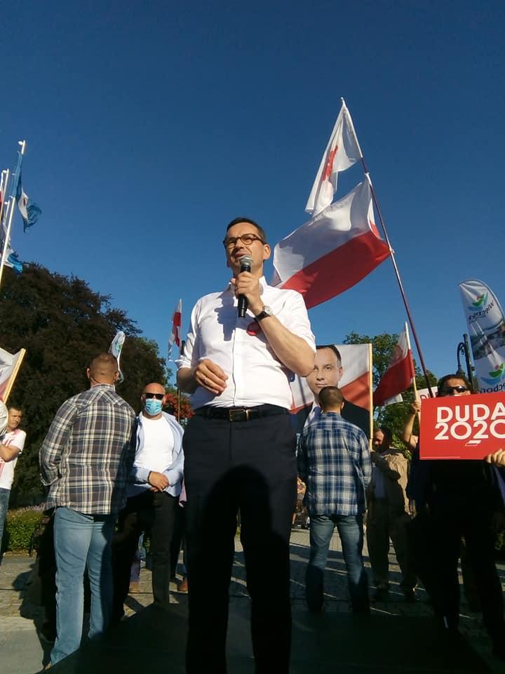 Premier RP Mateusz Morawiecki wWięcborku foto Tomasz Roman Bracka