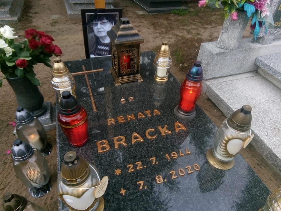 Pomnik mojejukochanej mamusi śp Renaty Bracka imatki chrzestnej śp Reginy Bracka stanął dziś nacmentarzu komunalnym wWięcborku. syn Tomasz Roman Bracka