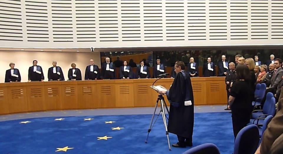 Pokazałem jak się zwycięża wEuropejskim Trybunale Praw Człowieka wStrasbourgu wygrywając zbyłym Rządem RP iProkuratorią Generalną Skarbu Państwa orazzMSZ zmianę prawa oprzewlekłości postępowań sądowych wPolsce i591 spraw wtym 5 spraw moichTomasza Romana Bracka imojejMamy Renaty Bracka !