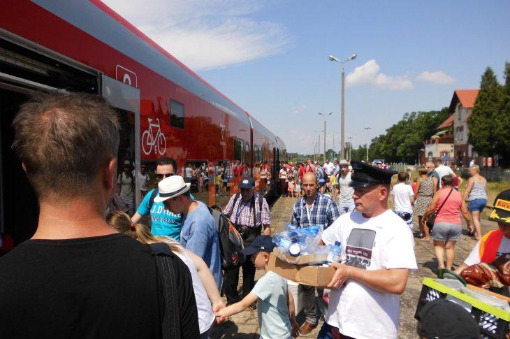 Kolejowy Dzień Dziecka 2018 r. na linii kolejowej nr 281 i stacji PKP Więcbork znajdującej się na Magistrali Kolejowej Portowej BiS Północ - Południe relacji Katowice - Więcbork - Gdynia - foto Tomasz Roman Bracka