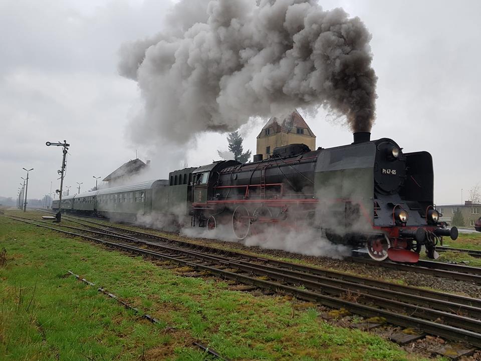 Odjazd pociągu pasażerskiego ze134 letniej stacji PKP Więcbork doPoznania - 16 kwiecień 2018 r.