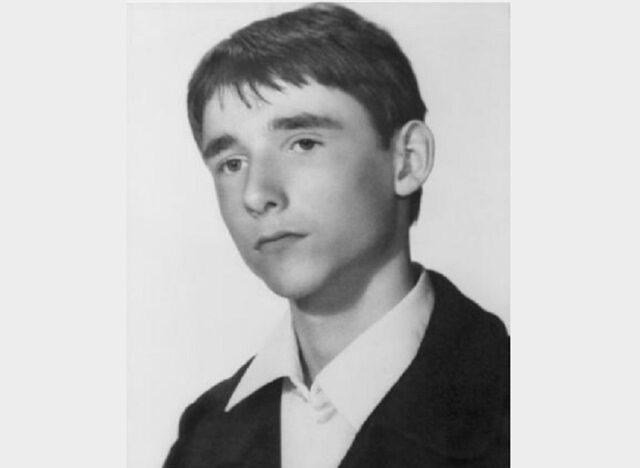 Bezpieka torturowała 16-letniego Emila Barchańskiego, któryzaangażował się wdziałalność podziemną. Chłopak zginął wdodziś niewyjaśnionych okolicznościach, alewiele wskazuje nato, żebył tomord dokonany przezfunkcjonariuszy SB.
