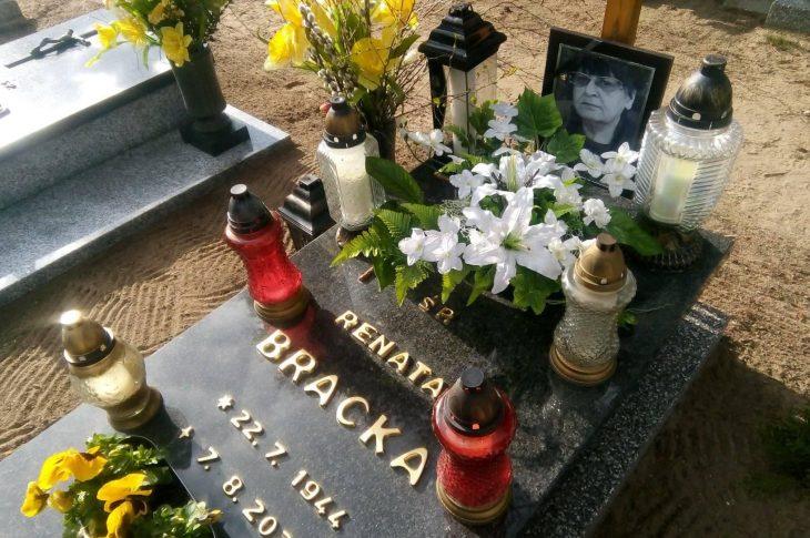 Dziś mija 8 miesięcy od przedwczesnej śmierci mojej ukochanej Mamy śp Renaty Bracka za sprawą niezdrowej służby zdrowia, którą właśnie odwiedziłem w miejscu spoczynku na cmentarzu komunalnym w Więcborku.