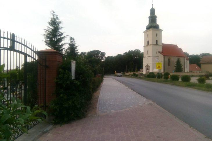 Prezydencka wieś Ignacego Mościckiego w Runowie Kr. gm. Więcbork, który miał tu kompleks rezydencji prezydenckich w pałacu i zamku w II RP doczekała się w końcu chodnika po 500 latach po licznych interwencjach z mojej strony w ZDW Bydgoszcz.