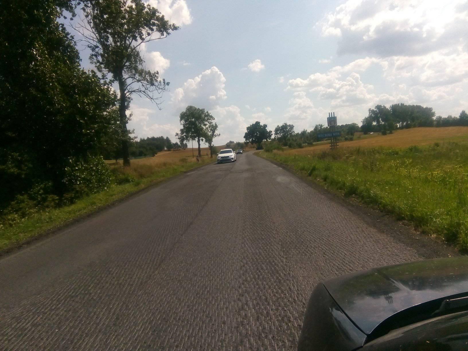 Dziś rozpoczęła się wywalczona przeze mnie nakazami pokontrolnymi WINB Bydgoszcz przebudowa drogi wojewódzkiej nr241 naodcinku Więcbork - Zborze iTrzciany-Sikorz. Inwestycje wykonuje firma drogowa zPruszkowa - foto Tomasz Roman Bracka